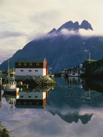 w-krecichwost-village-on-the-island-of-flakstad-norway