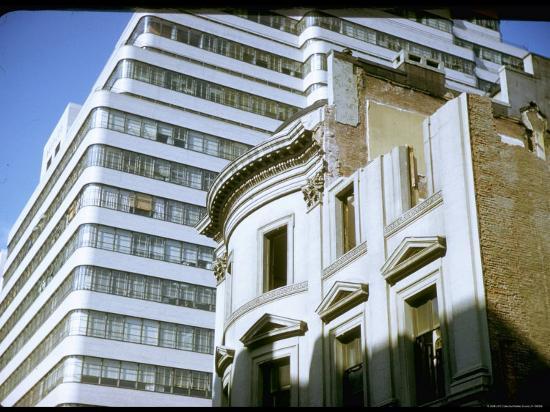 walker-evans-townhouse-being-demolished