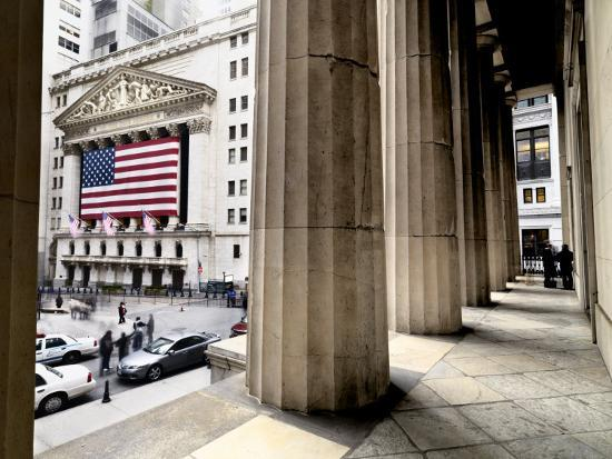 wall-street-and-the-new-york-stock-exchange-from-federal-hall