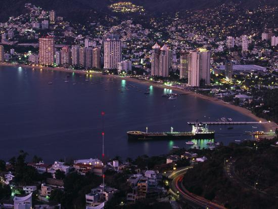 walter-bibikow-acapulco-bay-and-beach-acapulco-mexico