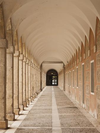 walter-bibikow-arched-walkway-the-royal-palace-aranjuez-spain