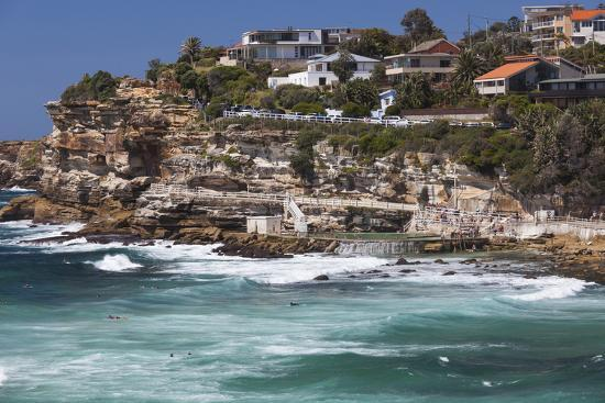 walter-bibikow-australia-sydney-bronte-bronte-beach-elevated-view