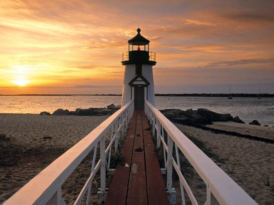 walter-bibikow-brant-point-lighthouse-nantucket-island-massachusetts-usa