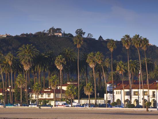 walter-bibikow-cabrillo-boulevard-santa-barbara-southern-california-california-usa