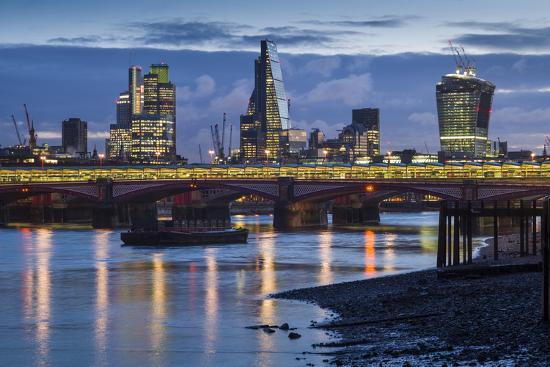 walter-bibikow-england-london-city-skyline-from-blackfriars-bridge-dawn