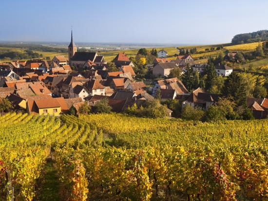 walter-bibikow-france-bas-rhin-alsace-region-alasatian-wine-route-blienschwiller-town-overview-from-vineyards