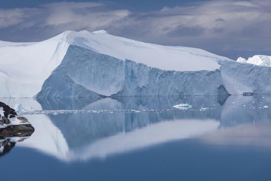walter-bibikow-greenland-disko-bay-ilulissat-elevated-view-of-floating-ice