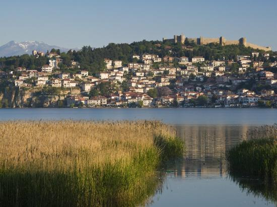 walter-bibikow-morning-view-of-old-town-and-car-samoil-s-castle-ohrid-macedonia
