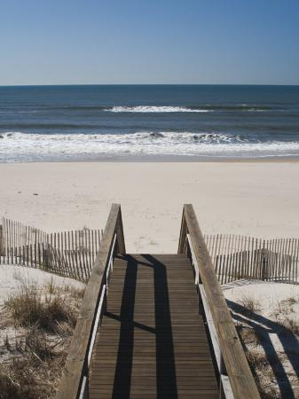 walter-bibikow-new-york-long-island-the-hamptons-westhampton-beach-beach-view-from-beach-stairs-usa