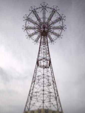 walter-bibikow-parachute-jump-tower-coney-island-brooklyn-new-york-usa