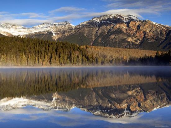 walter-bibikow-pyramid-lake-jasper-national-park-alberta-canada