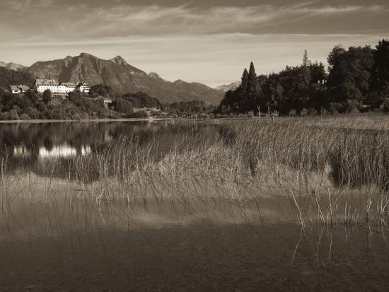 walter-bibikow-rio-negro-province-lake-district-llao-llao-hotel-llao-llao-and-andes-mountains-argentina