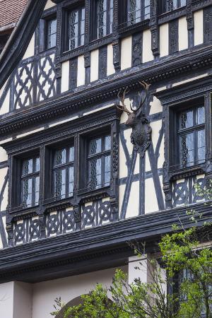 walter-bibikow-romania-transylvania-sinaia-peles-castle-palace-buildings