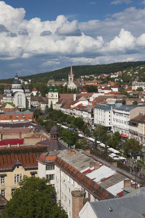 walter-bibikow-romania-transylvania-targu-mures-view-of-piata-trandafirilor-square