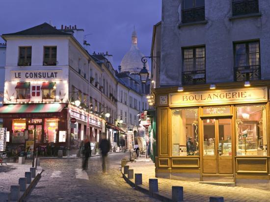 walter-bibikow-rue-norvins-and-sacre-coeur-montmartre-paris-france