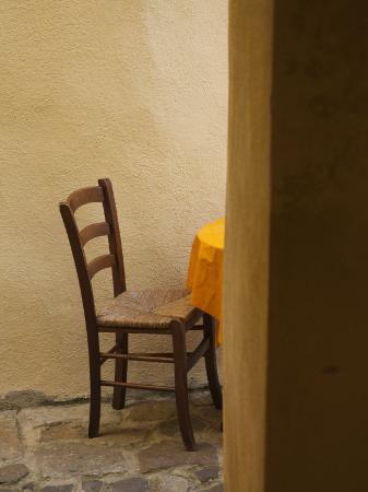walter-bibikow-sardinia-north-western-sardinia-castelsardo-cafe-chair-italy