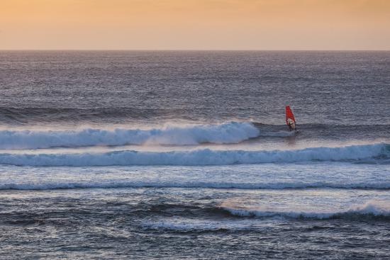 walter-bibikow-southwest-australia-prevelly-surfers-point-windsurfers-dusk