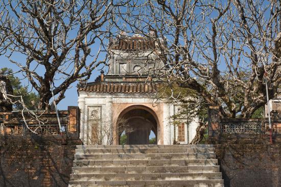 walter-bibikow-vietnam-hue-tomb-of-emperor-tu-duc