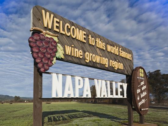 walter-bibikow-welcome-to-napa-valley-sign-napa-napa-valley-wine-country-northern-california-usa