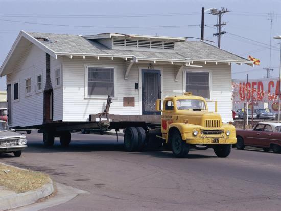 walter-rawlings-pick-up-truck-moving-house-california-usa
