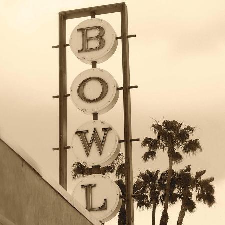 walter-robertson-bowl-sign
