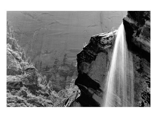 waterfall-zion-national-park-utah