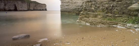 waterfront-cliffs-north-landing-flamborough-yorkshire-england-united-kingdom