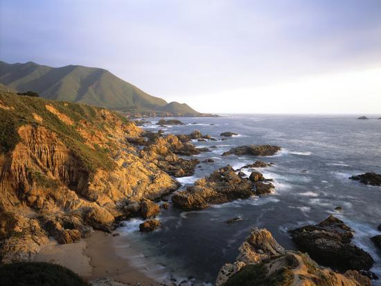 waves-breaking-on-garrapata-beach-on-the-big-sur-coast-of-california