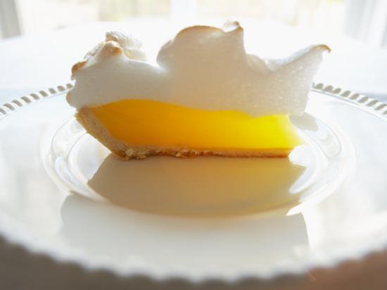 wedge-of-delicious-lemon-meringue-pie