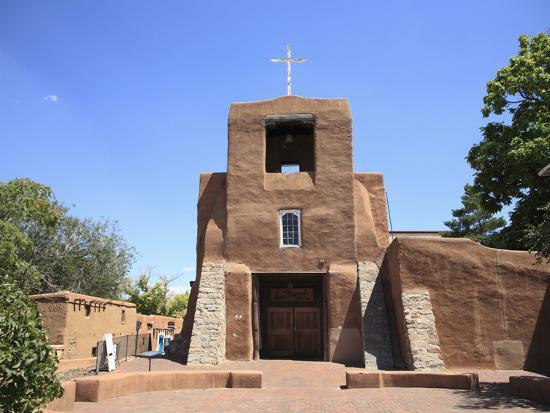 wendy-connett-san-miguel-mission-church-oldest-church-in-the-united-states-santa-fe-new-mexico