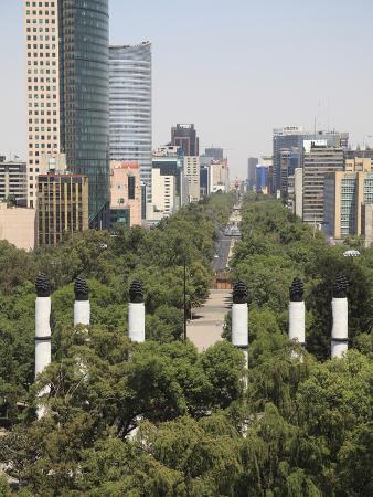 wendy-connett-view-of-paseo-de-la-reforma-monumento-a-los-ninos-heroes-skyline-park-chapultepec-hill-chapult