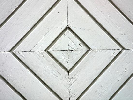 white-weathered-wooden-diamond-pattern