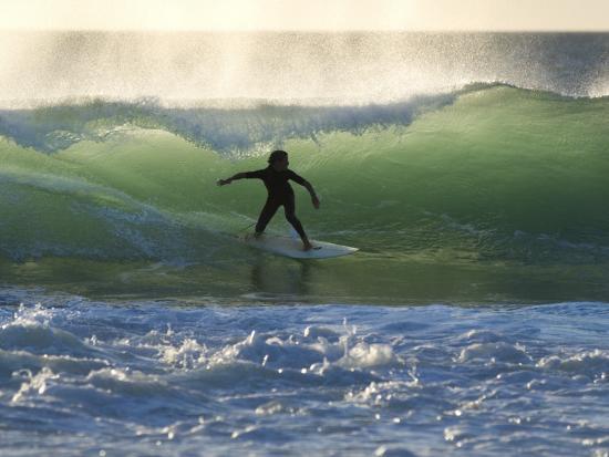 will-salter-surfing-at-kalbarri