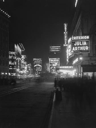 william-davis-hassler-illuminated-signs-in-times-square-new-york-city-1917