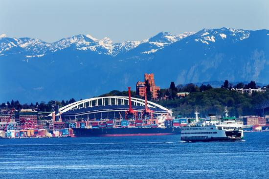 william-perry-state-port-ferry-with-cranes-containers-and-freighters-ships-at-pier-seattle-washington
