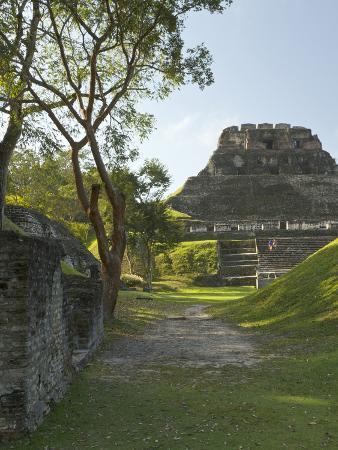 william-sutton-el-castillo-pyramid-xunantunich-ancient-site-cayo-district-belize