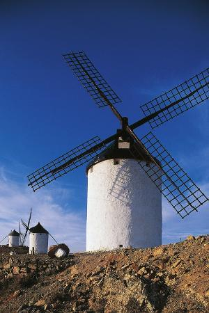 windmills-of-consuegra