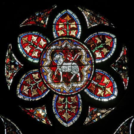 window-w202-depicting-the-agnus-dei