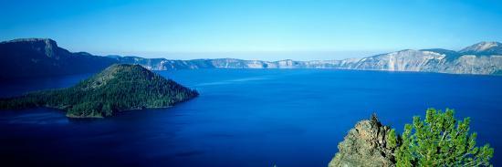 wizard-island-at-crater-lake-oregon