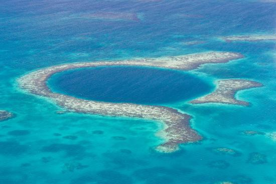 wollertz-the-great-blue-hole