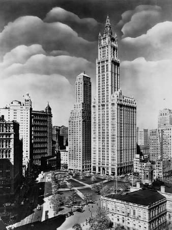 woolworth-building-and-city-hall-park-manhattan