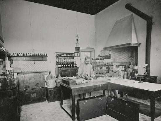 world-war-i-chemical-laboratory-in-a-military-hospital