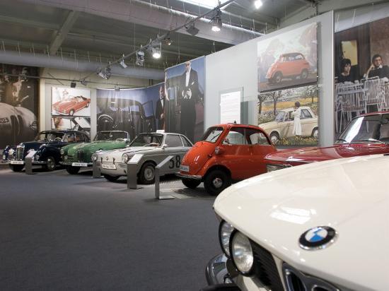 yadid-levy-bmw-car-museum-munich-bavaria-germany
