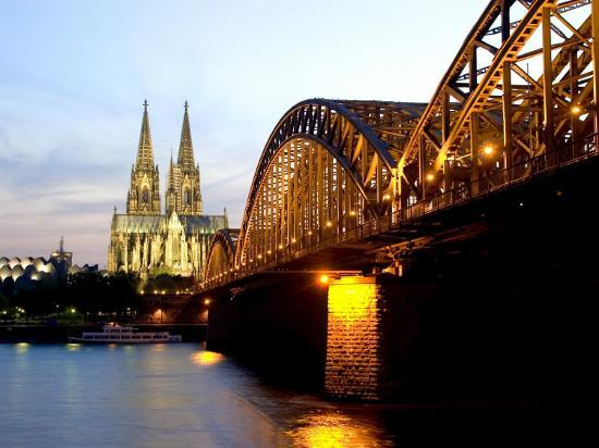 yadid-levy-cologne-cathedral-and-hohenzollern-bridge-at-night-cologne-north-rhine-westphalia-germany