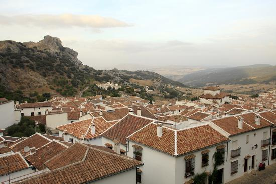 yadid-levy-view-over-grazalema-village-at-parque-natural-sierra-de-grazalema-andalucia-spain-europe