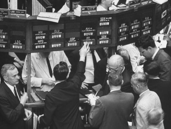 yale-joel-frantic-day-at-the-new-york-stock-exchange-during-the-market-crash