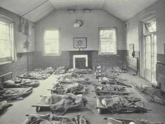 young-children-asleep-at-mitcham-residential-school-london-1931