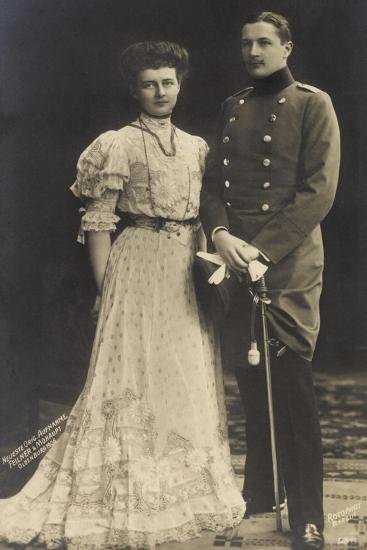 Prinz Eitel Friedrich Mit Herzogin Sophie Charlotte--Giclee Print
