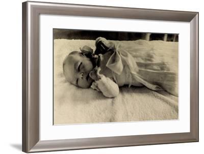 Prinzessin Beatrix Der Niederlande Als Baby--Framed Giclee Print