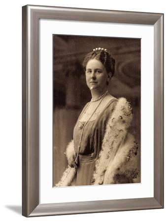 Prinzessin Juliana Der Niederlande, Pelz, Schmuck--Framed Giclee Print